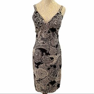Morell Maxie Fitted Black & White Paisley Dress